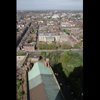Liverpool, Anglican Cathedral (Hauptorgelanlage), Blick vom Turm in Richtung Metropolitan Cathedral