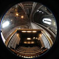 Liverpool, Anglican Cathedral (Hauptorgelanlage), Spieltisch und Kathedral-Innenraum