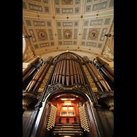 Liverpool, St. George's Hall, Blick vom Spieltisch auf die Orgel und ins Gewölbe