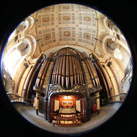 Liverpool, St. George's Hall, Gesamtansicht Orgel und Gewölbe