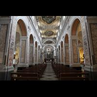 Sorrento, Cattedrale, Hauptschiff in Richtung Chor