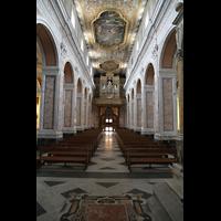 Sorrento, Cattedrale, Hauptschiff in Richtung Orgel