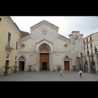 Sorrento, Cattedrale, Fassade und Vorplatz