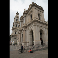 Pompei, Santuario della Madonna, Fassade mit Turm