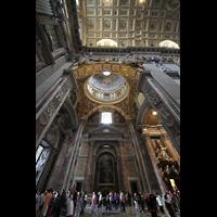 Roma (Rom), Basilica S. Pietro (Petersdom), Linkes Seitenschiff; links die Ostwand mit Hauptportal