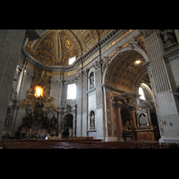 Roma (Rom), Basilica S. Pietro (Petersdom), Chorraum mit Cathedra Petri und Epistelorgel