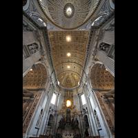 Roma (Rom), Basilica S. Pietro (Petersdom), Blick ins Gewölbe des Chorraums und in die Kuppel