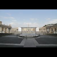 Roma (Rom), Basilica S. Pietro (Petersdom), Petersplatz vom Hauptportal aus gesehen
