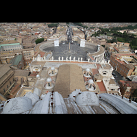 Roma (Rom), Basilica S. Pietro (Petersdom), Blick von der Kuppel auf den Petersplatz