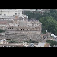 Roma (Rom), Basilica S. Pietro (Petersdom), Blick von der Kuppel auf die Engelsburg