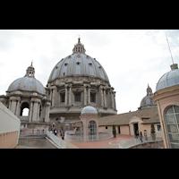 Roma (Rom), Basilica S. Pietro (Petersdom), Kuppeln der Basilika vom Dach aus gesehen