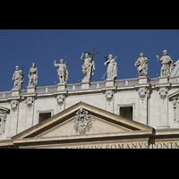 Roma (Rom), Basilica S. Pietro (Petersdom), Figuren auf der Fassade