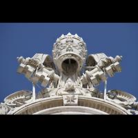 Roma (Rom), Basilica S. Pietro (Petersdom), Schlüssel-Skulptur über der Uhr