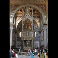 Roma (Rom), Basilica San Giovanni in Laterano (Linke Chororgel), Chorraum mit Ziborium