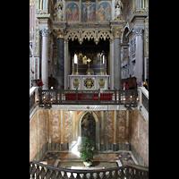 Roma (Rom), Basilica San Giovanni in Laterano (Linke Chororgel), Raum unter dem Hauptaltar