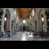 Roma (Rom), Basilica San Giovanni in Laterano (Linke Chororgel), Innenraum in Richtung Hauptportal