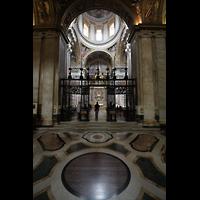 Roma (Rom), Basilica S. Maria Maggiore, Vierungsraum in Richtung Sakraments-Kapelle