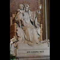 Roma (Rom), Basilica S. Maria Maggiore, Marienstatue im Hauptschiff