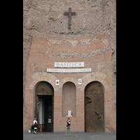 Roma (Rom), Basilica S. Maria degli Angeli e dei Martiri, Fassade mit Hauptportal