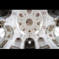 Muri, Klosterkirche (Chorpositiv), Hauptorgel mit Blick in die Kuppel