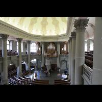 Bern, Heilig-Geist-Kirche, Blick von der Seitenempore zur Orgel