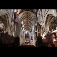 Bern, Münster St. Vinzenz (Forschungsorgel), Blick vom Chor zur großen Orgel