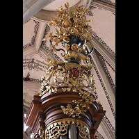 Bern, Münster St. Vinzenz (Forschungsorgel), Reich verzierter mittlerer Turm der Hauptorgel