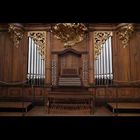 Bern, Münster St. Vinzenz (Forschungsorgel), Spieltisch und untere Pfeifenfelder der Hauptorgel
