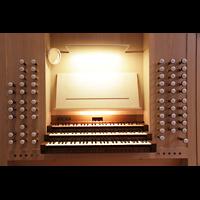 Luzern, Lukaskirche, Spieltisch beleuchtet