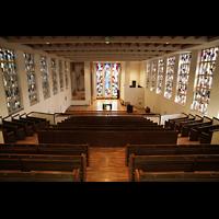 Luzern, Lukaskirche, Innenraum von der obereen Empore aus gesehen