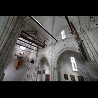 Sion (Sitten), Notre-Dame-de-Valère (Burgkirche), Lettner mit Kruzifix-Gruppe und Blick zur Orgel