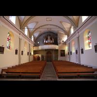 Conthey, Saint-Séverin, Innenraum in Richtung Orgel