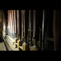 Martigny, Notre-Dame de la Visitation, Zungenpfeifen im Pedal: Posaune (Holz) und Trompete