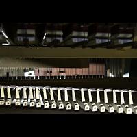 Martigny, Notre-Dame de la Visitation, Mechanische Traktur zum Schwellwerk mit Bälgchen für die Barkermaschine
