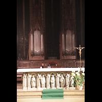 Lyon, Saint-Bonaventure, Orgel mit Altar im Vordergrund
