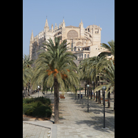 Palma de Mallorca, Catedral La Seu, Kathedrale vom Passaig Dalt Murada aus gesehen