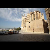 Palma de Mallorca, Catedral La Seu, Chorumgang mit Blick zum Hafen