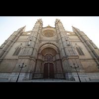 Palma de Mallorca, Catedral La Seu, Fassade mit Hauptportal