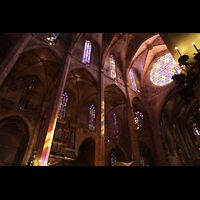 Palma de Mallorca, Catedral La Seu, Blick zur Orgel und zur großen Rosette