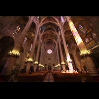 Palma de Mallorca, Catedral La Seu, Hauptschiff in Richtung Westwand