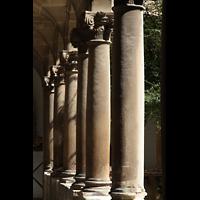 Palma de Mallorca, Catedral La Seu, Pfeiler im Kreuzgang