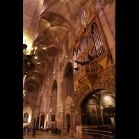 Palma de Mallorca, Catedral La Seu, Nördliches Seitenschiff mit Orgel