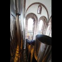 Speyer, Kaiser- und Mariendom, Blick über die Prospektpeifen des Majorbass 16' und der Octave major 8' in den Dom