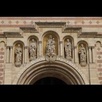 Speyer, Kaiser- und Mariendom, Figurenschmuck über dem Hauptportal