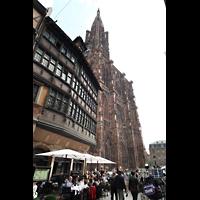 Strasbourg (Straßburg), Cathédrale Notre-Dame - Münster (Kapellenorgel), Blick vom Place de la Cathédrale