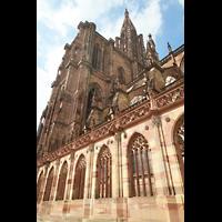 Strasbourg (Straßburg), Cathédrale Notre-Dame - Münster (Hauptorgel), Seitenschiff, Fassade und Turm von hinten