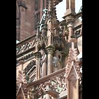 Strasbourg (Straßburg), Cathédrale Notre-Dame - Münster (Hauptorgel), Figurenschmuck und Detail am südlichen Seitenschiff