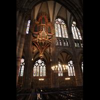 Strasbourg (Straßburg), Cathédrale Notre-Dame - Münster (Hauptorgel), Silbermann-Orgel mit bunten Glasfenstern an der nördlichen Hauptschiffwand