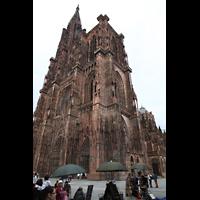 Strasbourg (Straßburg), Cathédrale Notre-Dame - Münster (Kapellenorgel), Gesamtansicht von Südwesten / Place de la Cathédrale