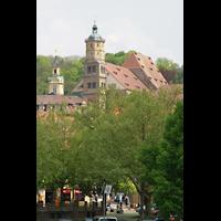 Schwäbisch Hall, Stadtpfarrkirche St. Michael (Hauptorgel), Gesamtansicht vom gegenüberliegendem Ufer mit Rathausturm (links)